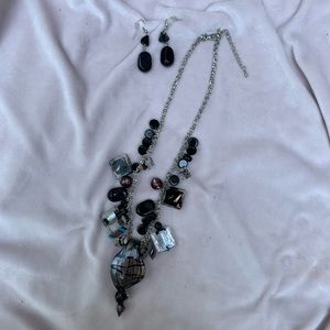 Glass Beaded Necklace w Large Glass Pendant